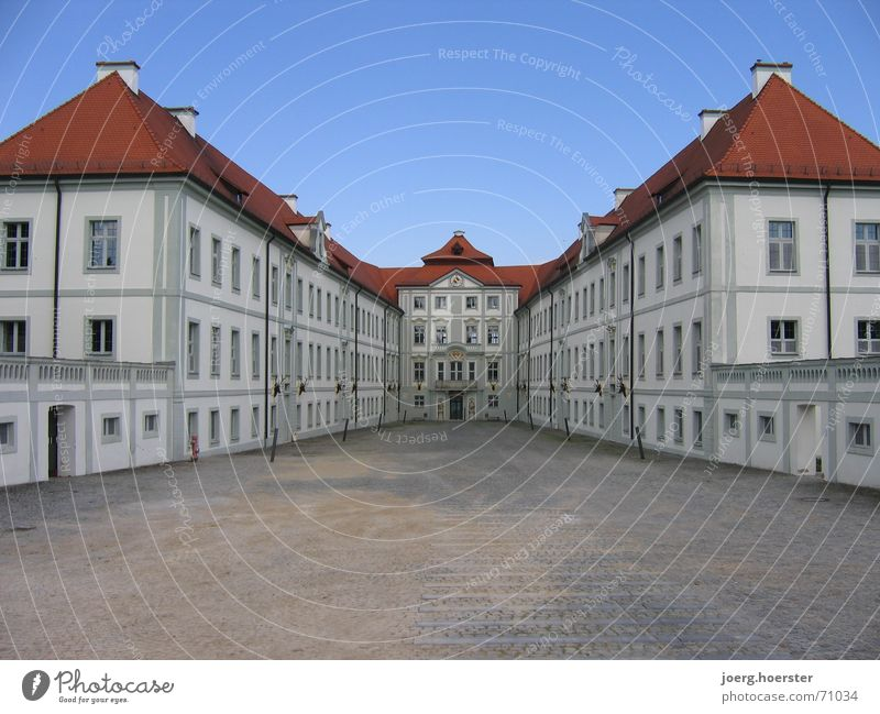 Hunting lodge in the Altmühl valley Building Symmetry House (Residential Structure) Altmühl Valley Bavaria Castle Baroque Interior courtyard Architecture