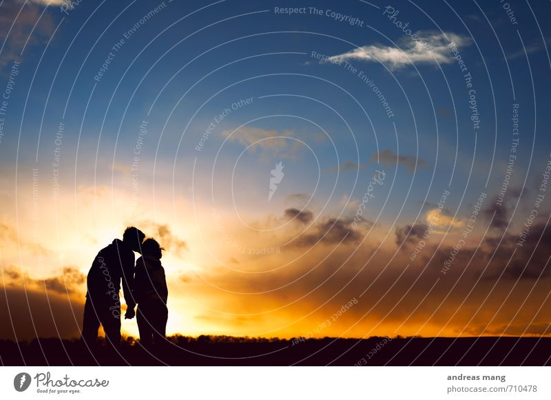 Human being Emotions Love Happy Horizon Couple Friendship Together To enjoy Warm-heartedness Joie de vivre (Vitality) Protection Safety Romance Kitsch Trust