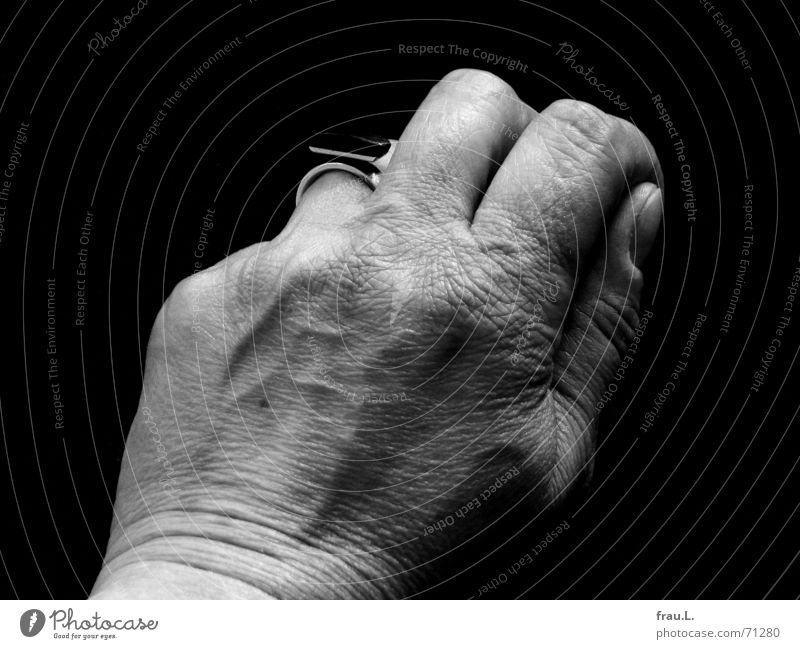 Woman Hand Old Work and employment Skin Circle Cleaning Wrinkles Vessel Mole Do the dishes Women`s hand