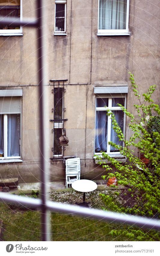 Sun House (Residential Structure) Window Berlin Garden Facade Dirty Living or residing Vantage point Apartment Building Downtown Transparent Terrace Window pane Backyard Dreary