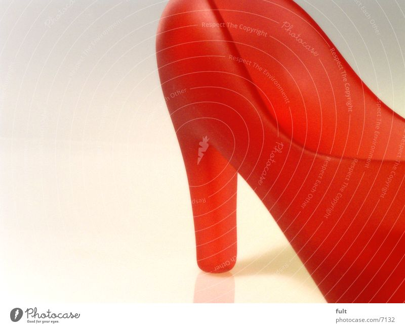 Red Style Footwear Glass