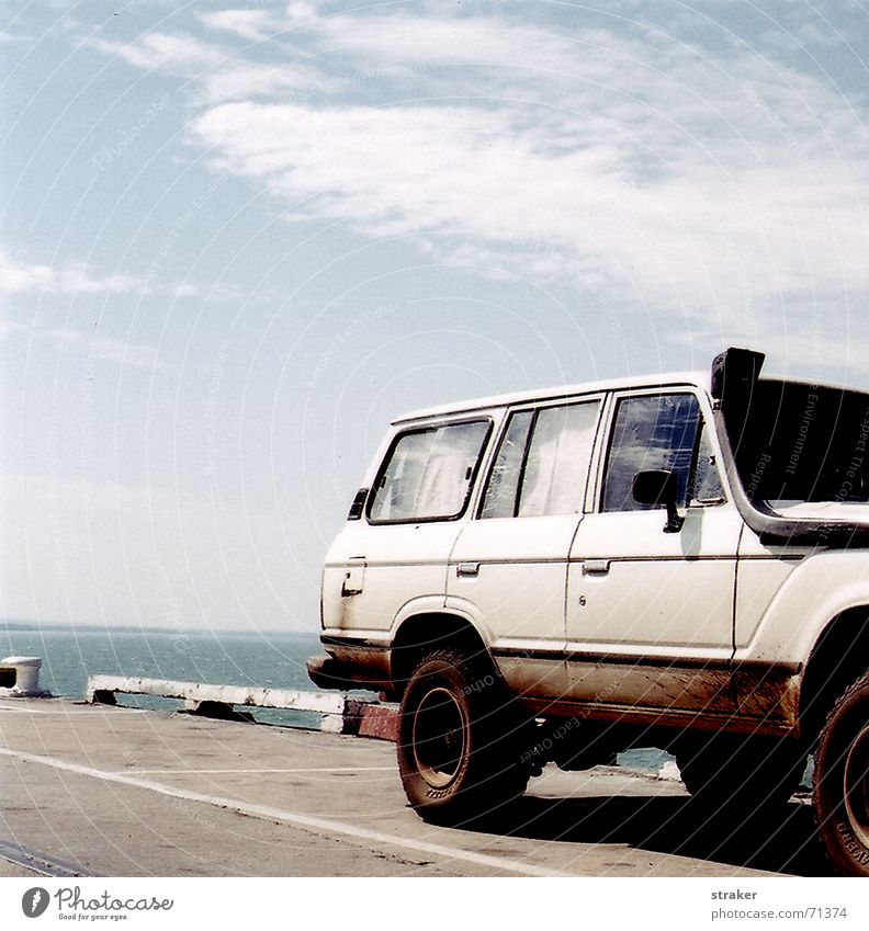 car_untitled White Offroad vehicle Australia Car Sky Street Wheel darwin Harbour