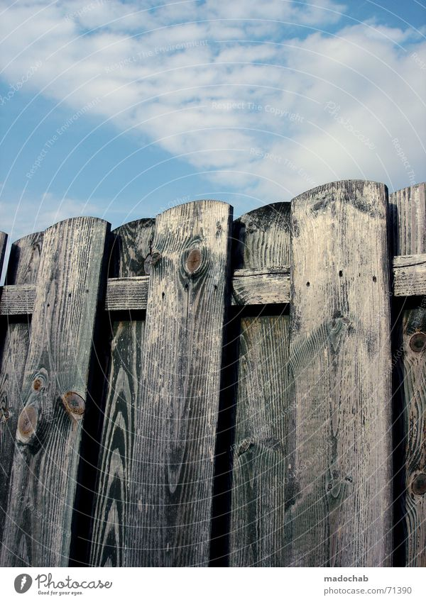 Beautiful Old Sky Clouds Freedom Wood Simple Kitsch Protection Forwards Border Fence Wooden board Harmonious Character Backwards