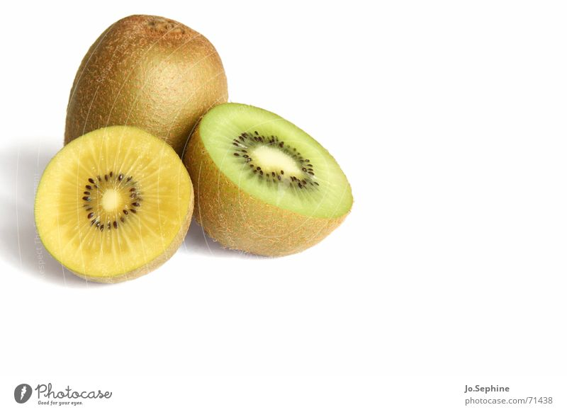 Kiwi I Food fruit Nutrition Diet Healthy Wellness Summer Fresh Kiwifruit Fruit flesh Division Refreshment Half 3 Yellow green Kernels & Pits & Stones Round