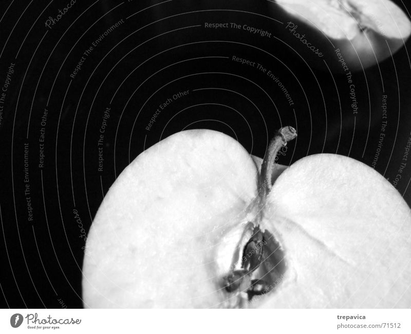 apple Half Healthy Vitamin Average Anatomy Division Longing Lack Two-piece Miss Grief Black & white photo Fruit Nutrition Nature cut open Divide Sadness