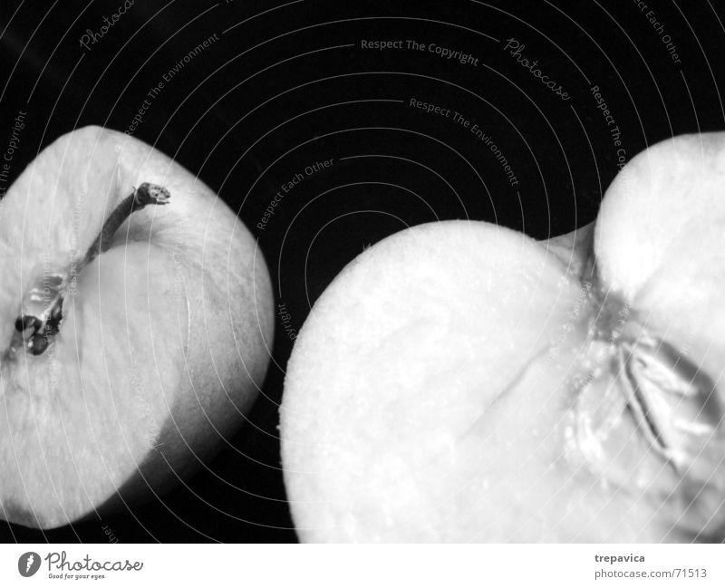 apple I Half Healthy Vitamin Average Division Two-piece Lack Miss Anatomy Longing Black & white photo Fruit Nutrition netur cut open