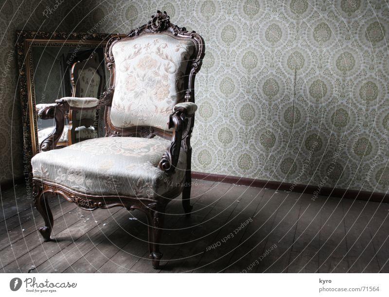 Old Dark Wood Legs Brown Arm Corner Chair Floor covering Image Mirror Wallpaper Hallway Material Mirror image Backrest