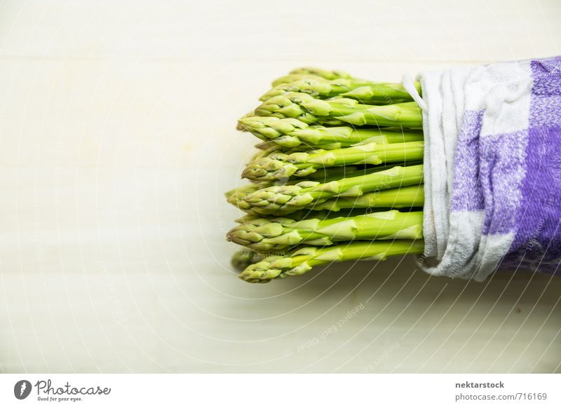 FRESH ASPARAGUS Food Vegetable Asparagus Nutrition Organic produce Vegetarian diet Healthy green cloth ingredient raw bundle bunch napkin Background picture