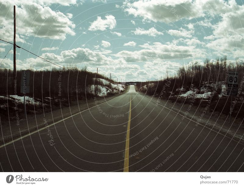 Sky Clouds Far-off places Street Lanes & trails Landscape Empty Asphalt Infinity Long Highway Traffic infrastructure Canada Badlands