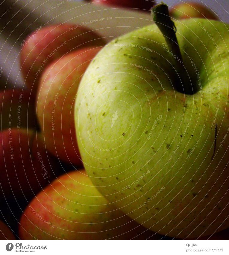 Green Red Nutrition Dark Gold Fruit Apple Anger Stalk Delicious Harvest Hang Leave Crunchy Fruity Food