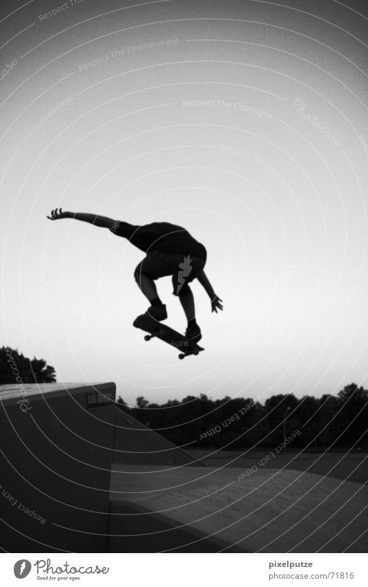 Man Youth (Young adults) Sky White Black Sports Jump Movement Park Flying Skateboarding Dynamics Freak Hardcore Extreme