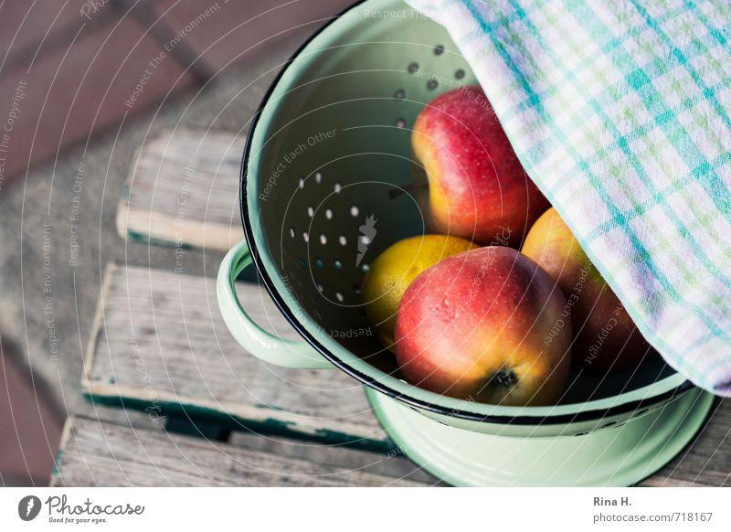Appel II Fruit Apple Nutrition Vegetarian diet Fresh Healthy Delicious Yellow Green Red Sieve drip sieve Garden chair Towel Napkin Exterior shot Colour photo