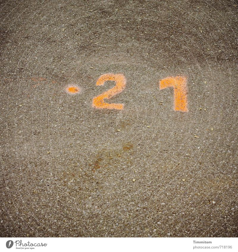 Street Emotions Lanes & trails Gray Going Orange Simple Point Digits and numbers Considerable 21