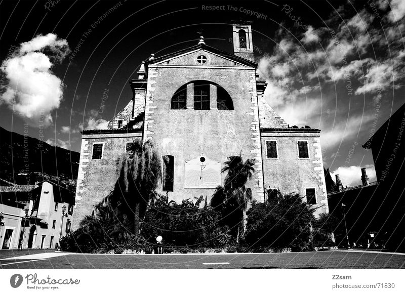 Old Sky Dark Religion and faith Large Threat Tower Italy Palm tree God Deities Catholicism Lake Garda