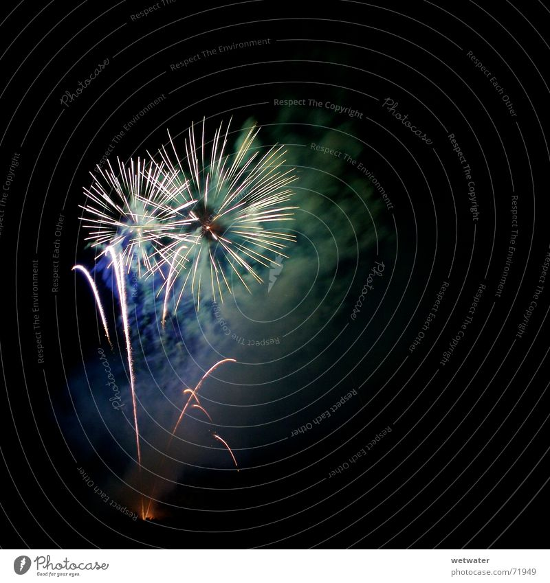 Beautiful Colour Feasts & Celebrations Blaze Star (Symbol) New Year's Eve Smoke Flame Night sky Spark Fine particles