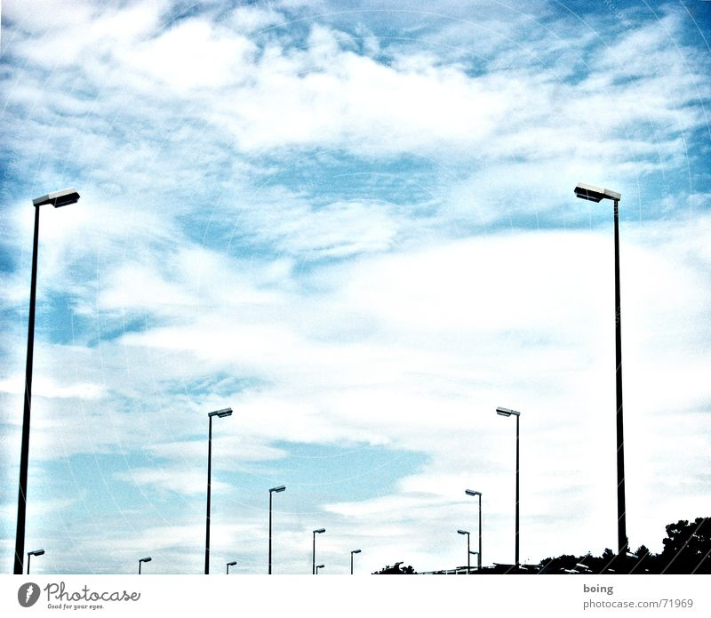 mado-style-o-mat Forest path Illuminate Lighting Tunnel vision Lantern City highway Detail Traffic infrastructure Sky leninskij brochure gostiny dvor