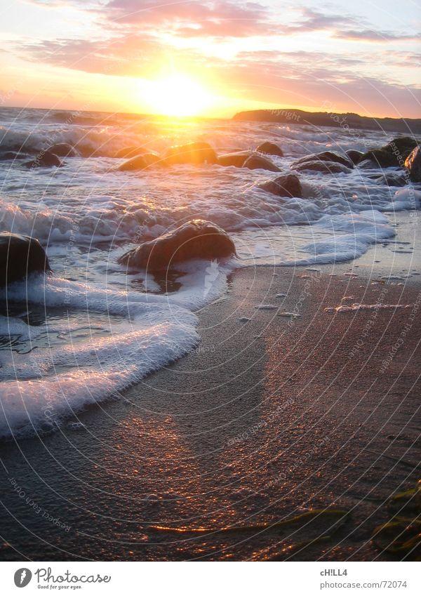 Water Sun Ocean Beach Vacation & Travel Clouds Stone Warmth Sand Waves Island Physics Foam Rügen Algae