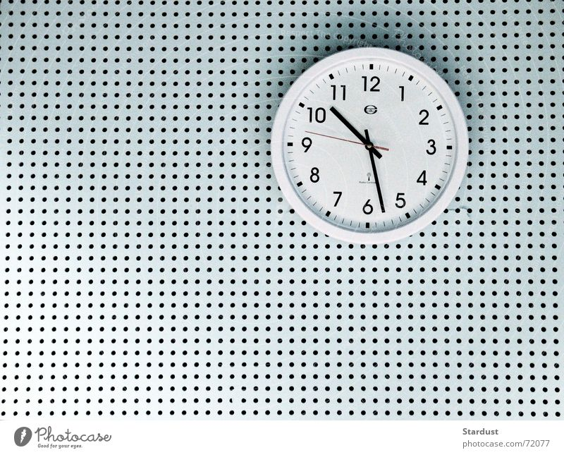 time gap Clock Time Wall (building) Wall clock Hollow Clock hand Interior shot Pattern Structures and shapes Copy Space left Copy Space bottom Artificial light