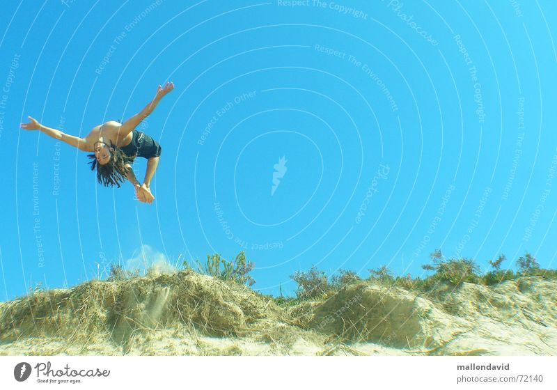 Summer Joy Beach Sports Jump Flying Speed Beach dune