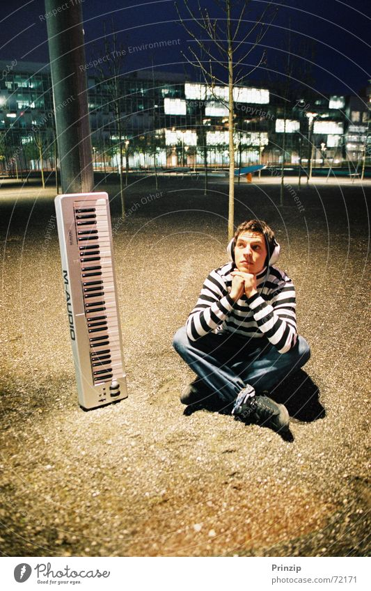 CL-Audio1 Acrobat Music cd cover night chill singer alain hofer
