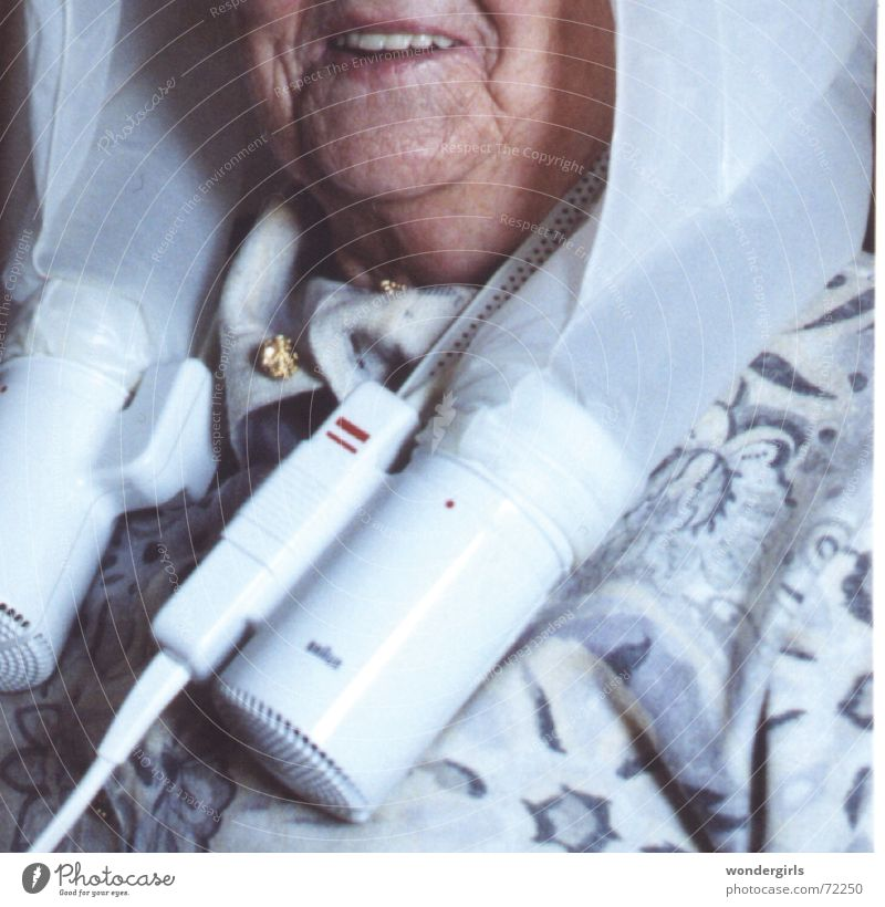 space cap Hair dryer Dry Physics Hair and hairstyles hot air blow-dry Old old people in old age Warmth Partially visible