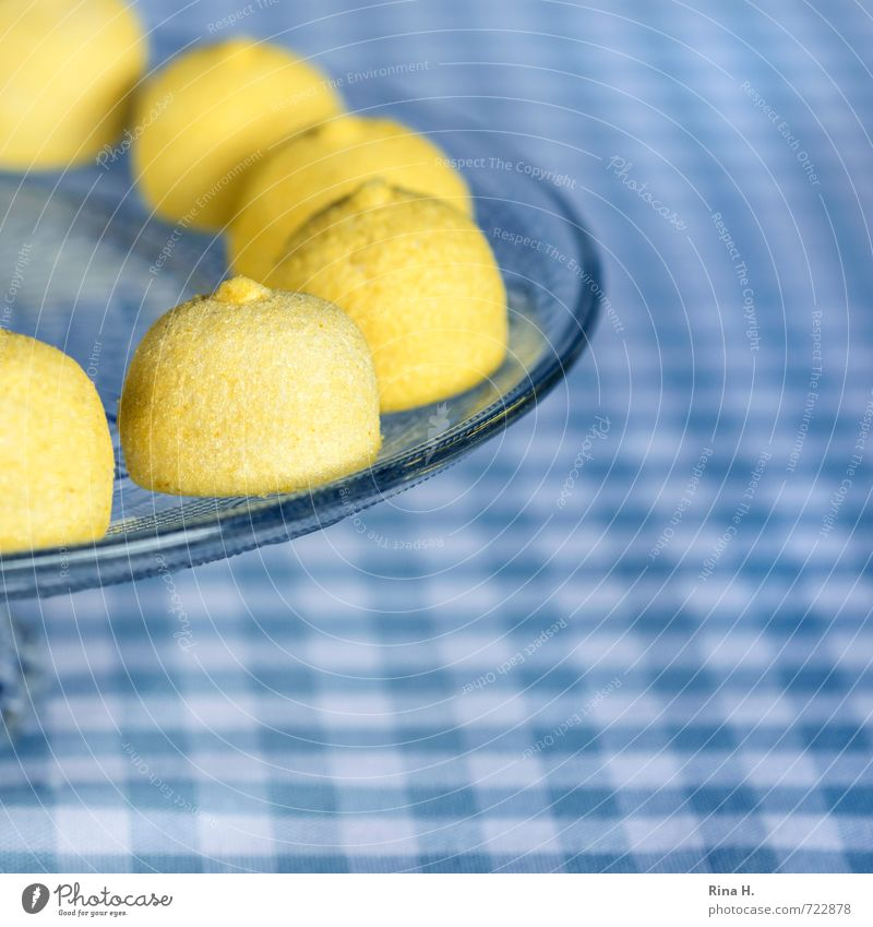 Blue White Yellow Sweet Round Candy Delicious Square Crockery Checkered Tablecloth Nipple Cake plate