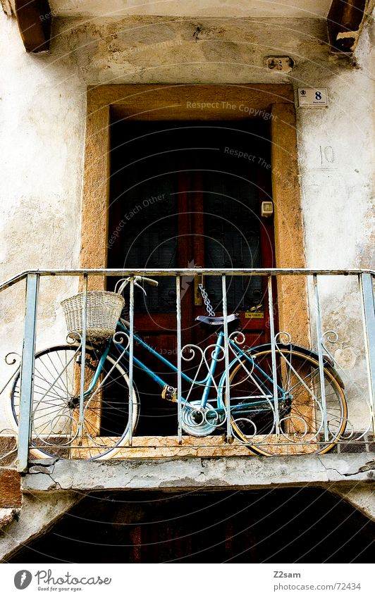 Old Bicycle Door Stairs Stand Italy Forwards Ladder Handrail Vehicle Basket Lean