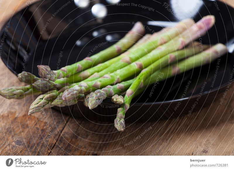 Green Black Spring Food Cooking & Baking Good Vegetable Appetite Iron Cheap Rustic Raw Asparagus Pan Asparagus season