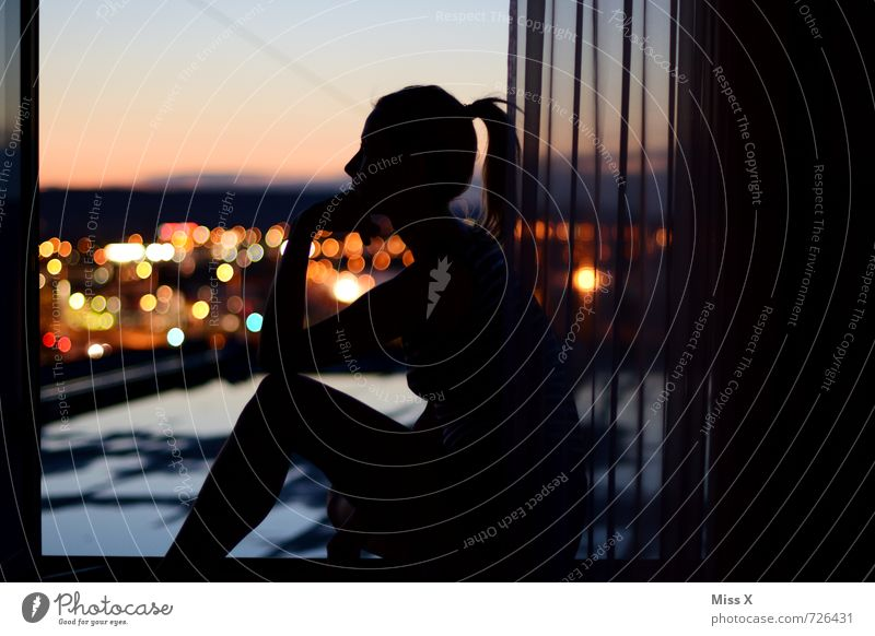 The thinker from the roof Living or residing Flat (apartment) House (Residential Structure) Human being Feminine Young woman Youth (Young adults) 1