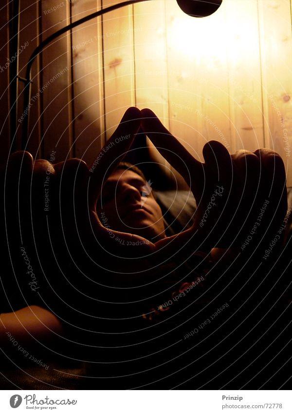 transparency Portrait photograph Man Vista Triangle cl-audio light/shadow light/dark near/far photo