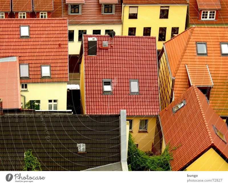 City Red House (Residential Structure) Yellow Street Wall (building) Window Wall (barrier) Brown Flat (apartment) Crazy Gloomy Roof Village Brick Bird's-eye view