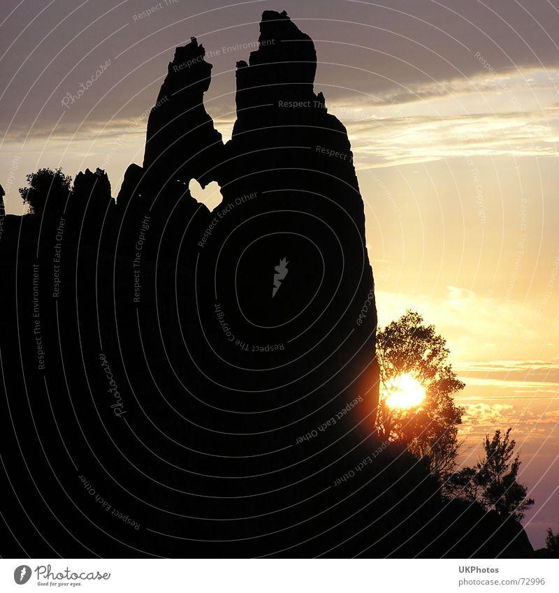 Sun Ocean Love Heart Rock Dusk South Symbols and metaphors Corsica
