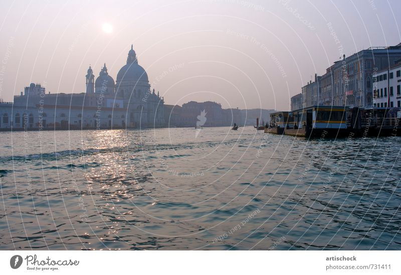 Canale Grande Venice Town Downtown Dome Tourist Attraction Waterway Moody Perspective 2011 Colour photo Exterior shot Deserted Dawn Panorama (View)