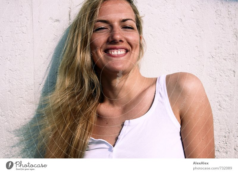 Youth (Young adults) Beautiful Young woman Joy 18 - 30 years Adults Face Hair and hairstyles Laughter Happy Blonde Illuminate Authentic Esthetic Happiness Smiling