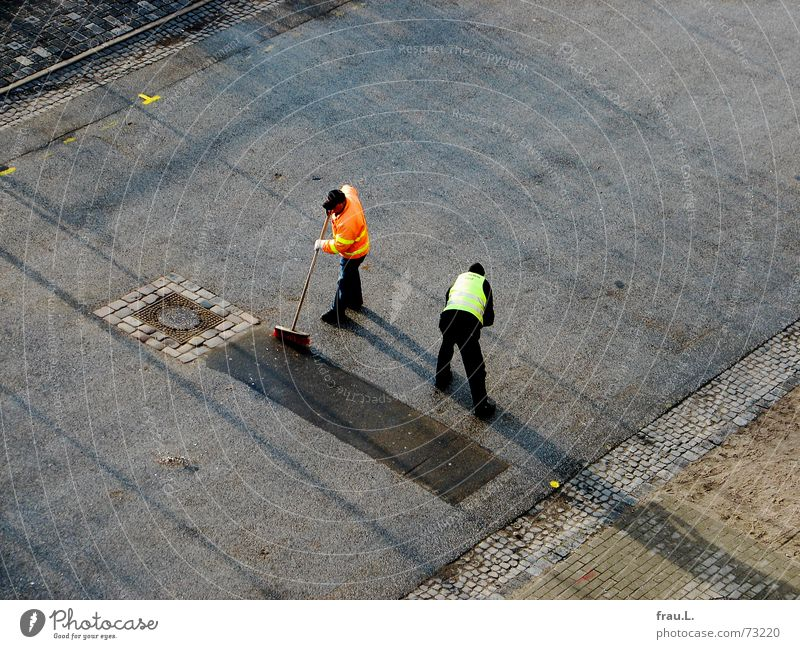 Man Street Work and employment Asphalt Cleaning Traffic infrastructure Pavement Teamwork Working man Paving stone Traffic lane Sweep Synchronous Simultaneous