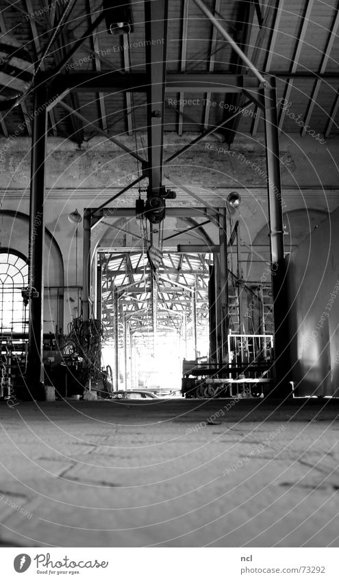 crane route Crane Factory Derelict Iron Dark Craft (trade) Past Forget Decompose Black White Work and employment Factory hall Floor covering Metal construction