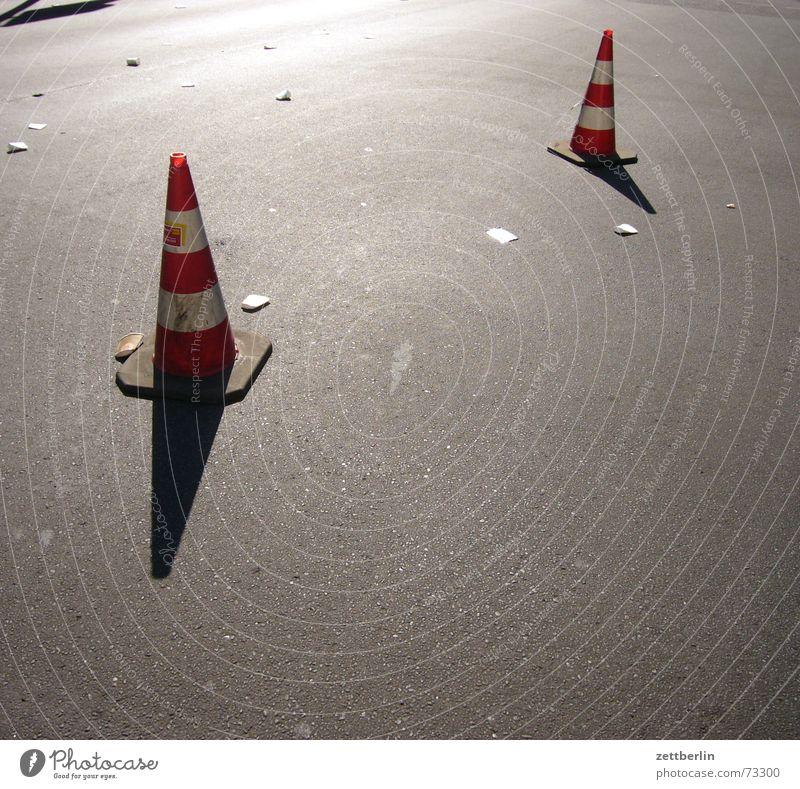 marathon Asphalt Barrier Hat No through road Bans Back-light Marathon Moon landing Slalom Street Traffic cone traffic control Shadow Fire department