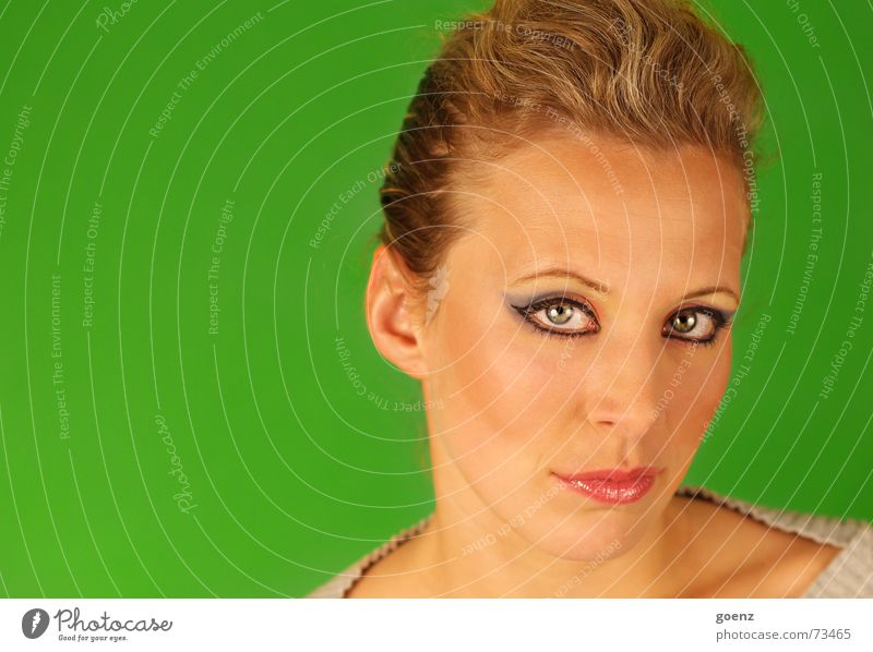 Woman Green Eyes Lamp Style Beauty Photography Model Make-up Cosmetics Apply make-up The eighties