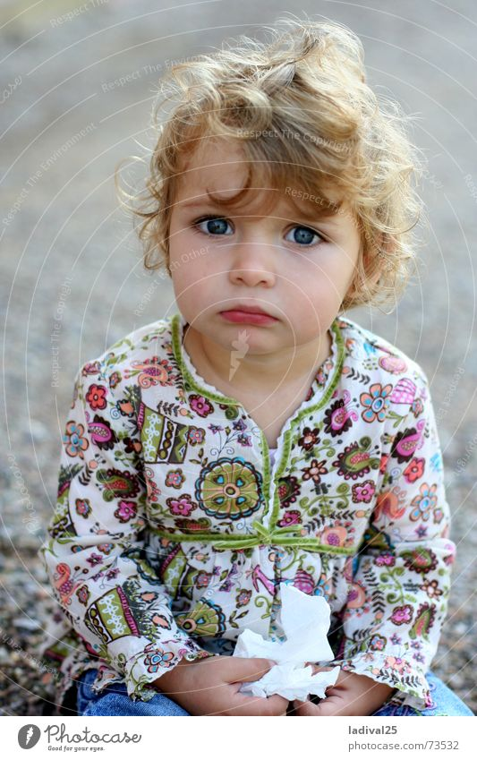 Child Girl Sadness Speed Sit Grief Floor covering Portrait photograph Curl
