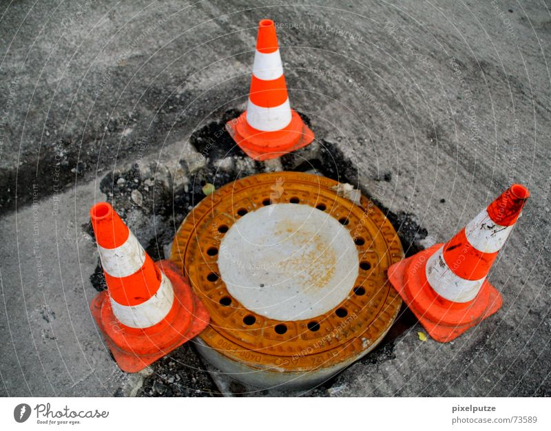 bermuda Construction site Gully Covers (Construction) Barrier Hat 3 Warning colour Triangle Road construction Dangerous Effluent Sewer Signal Bermuda Street