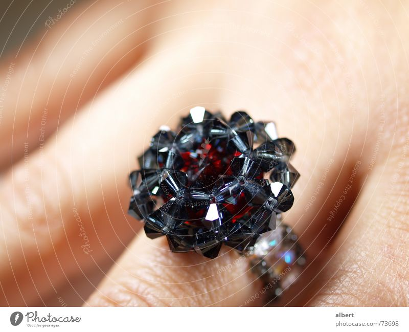 ring Hand Diamond Jewelry maker Jewellery Red Black Glittering Circle Macro (Extreme close-up) swarovski pearls Crystal structure