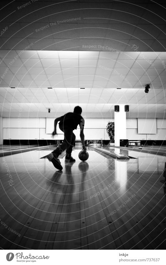 bowling Lifestyle Athletic Leisure and hobbies Playing Bowling Sports Bowling alley Boy (child) Young man Youth (Young adults) Infancy Body 1 Human being