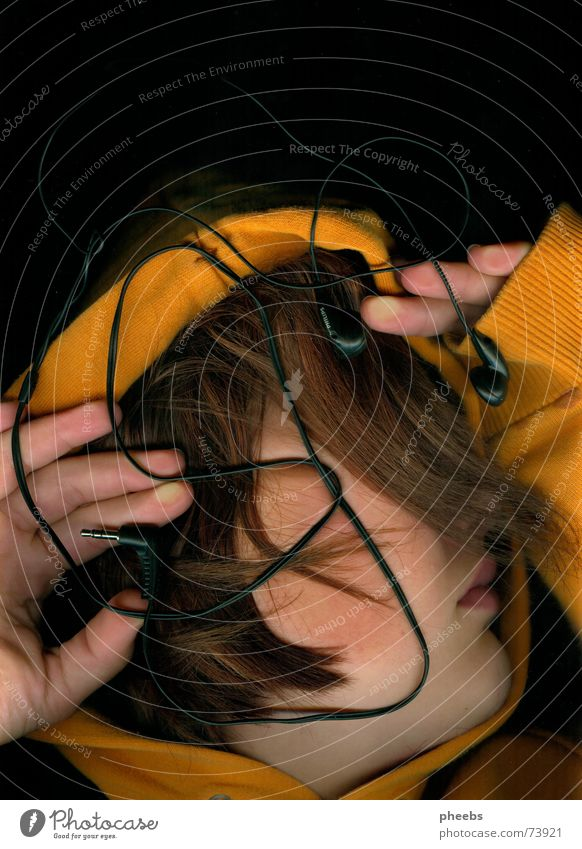 impression of hearing Headphones Scanner Hand Sweater Palm of the hand Lips Hair and hairstyles Orange Music Amazed Face Mouth