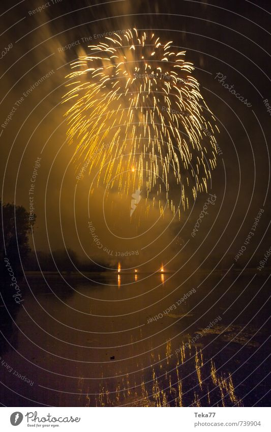 Fireworks and Lake I Party Event Feasts & Celebrations New Year's Eve Fairs & Carnivals Emotions Moody Joy Happy Happiness Joie de vivre (Vitality) Life Fear
