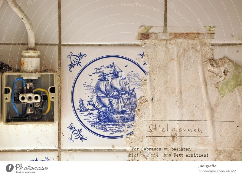 Old White Blue Yellow Wall (building) Watercraft Dirty Electricity Cooking & Baking Dangerous Kitchen Cable Broken Threat Change Decoration