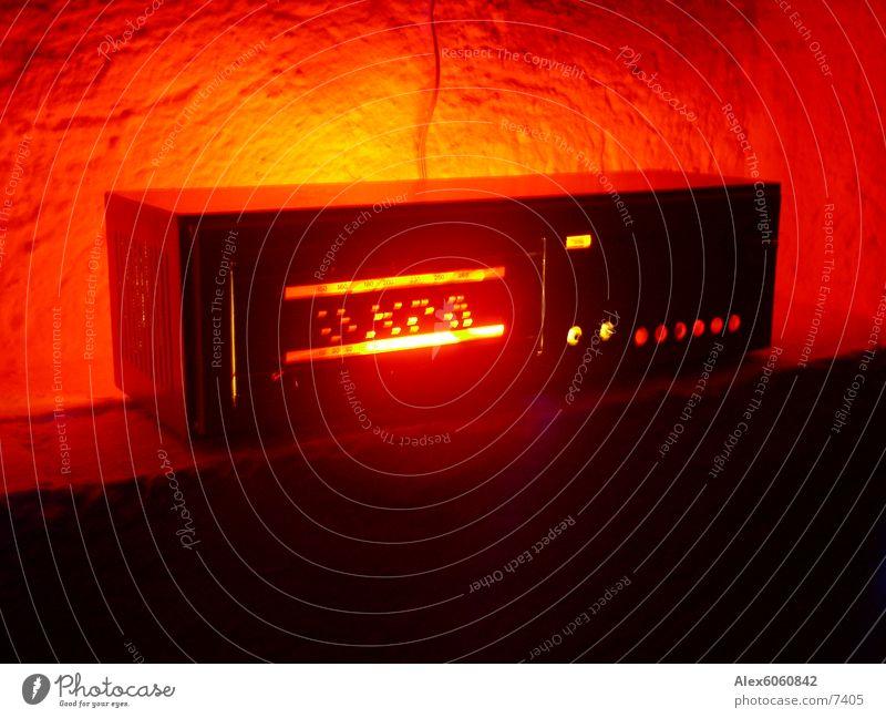 retroradiorama Red Loudspeaker Wall (building) Table Retro Radio (broadcasting) tuner Music