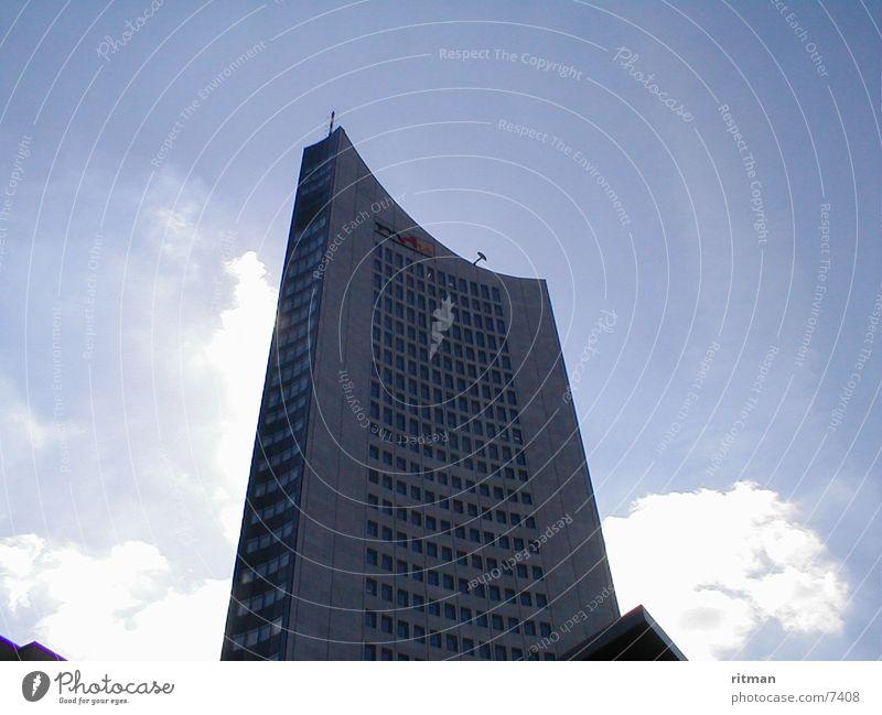 Uni Giant Architecture Sun Sky