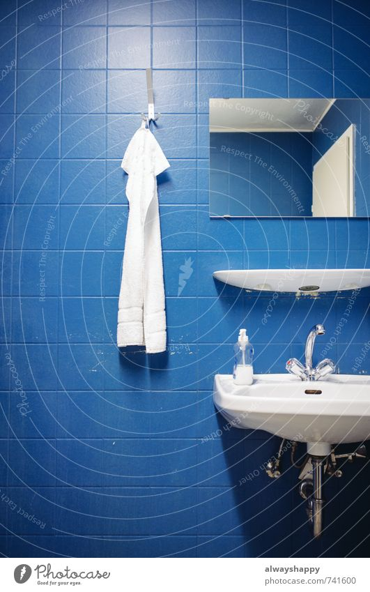 Blue Beautiful White Relaxation Style Health care Lifestyle Contentment Gloomy Authentic Esthetic Bathroom Wellness Good Tile Personal hygiene