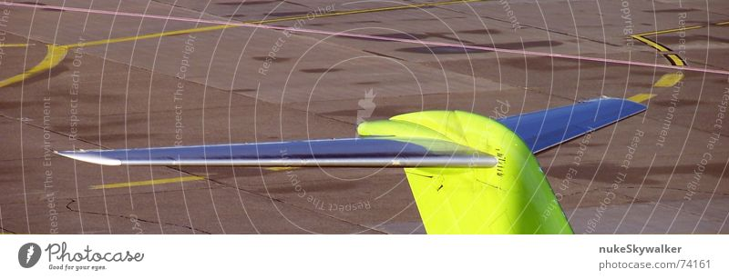 Yellow Gray Line Airplane Circle Asphalt Airport Parking lot Wanderlust Aviation Runway Lane markings