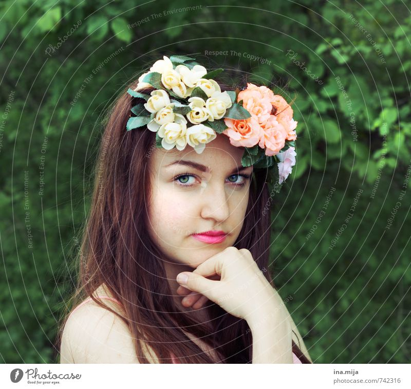 brunette young woman with flower wreath in hair Human being Feminine Young woman Youth (Young adults) Woman Adults Face 1 13 - 18 years Child 18 - 30 years